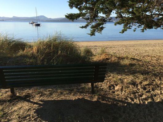 bench beach Nutgrove