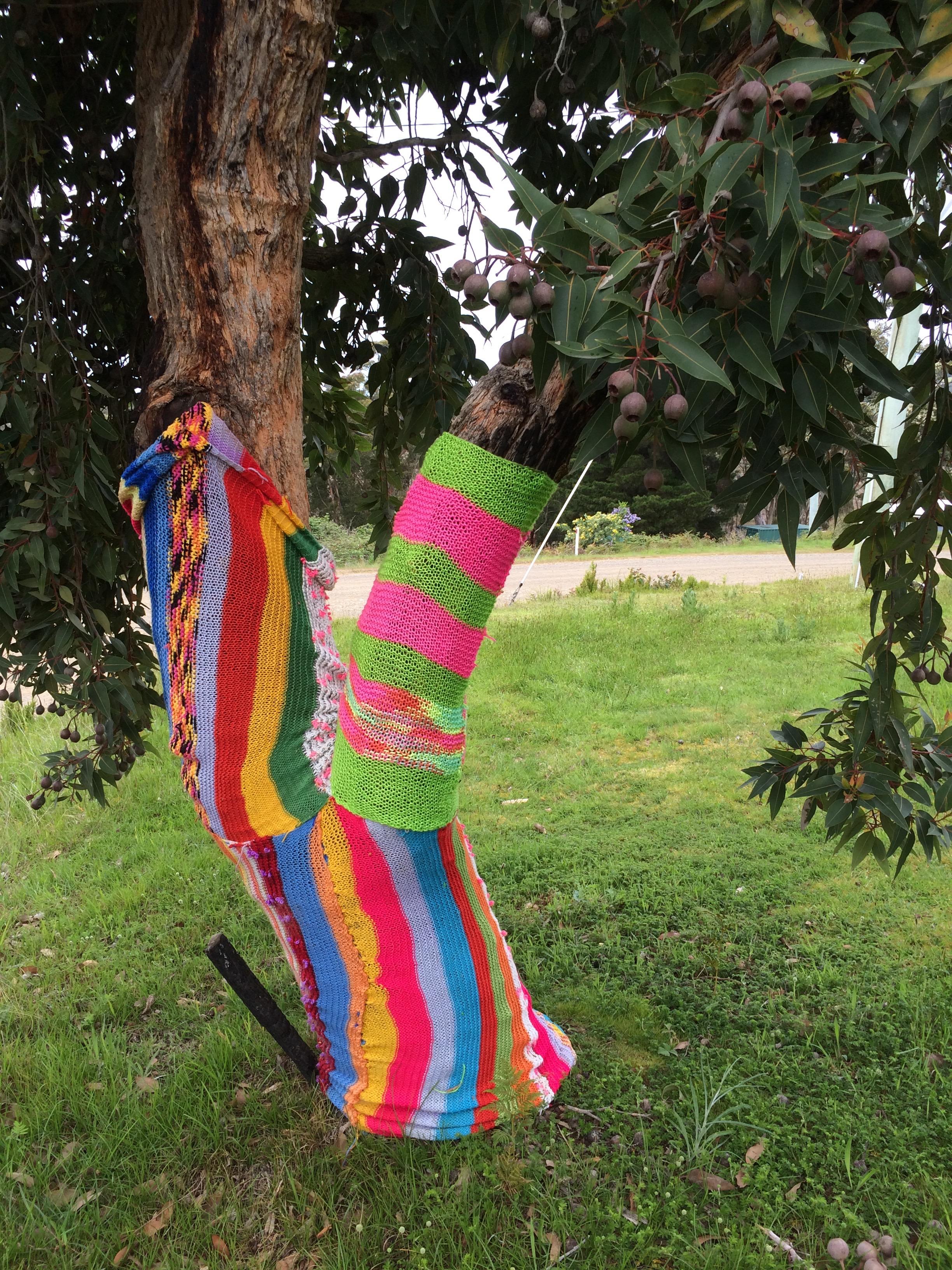 yarn bombing bench - photo #14