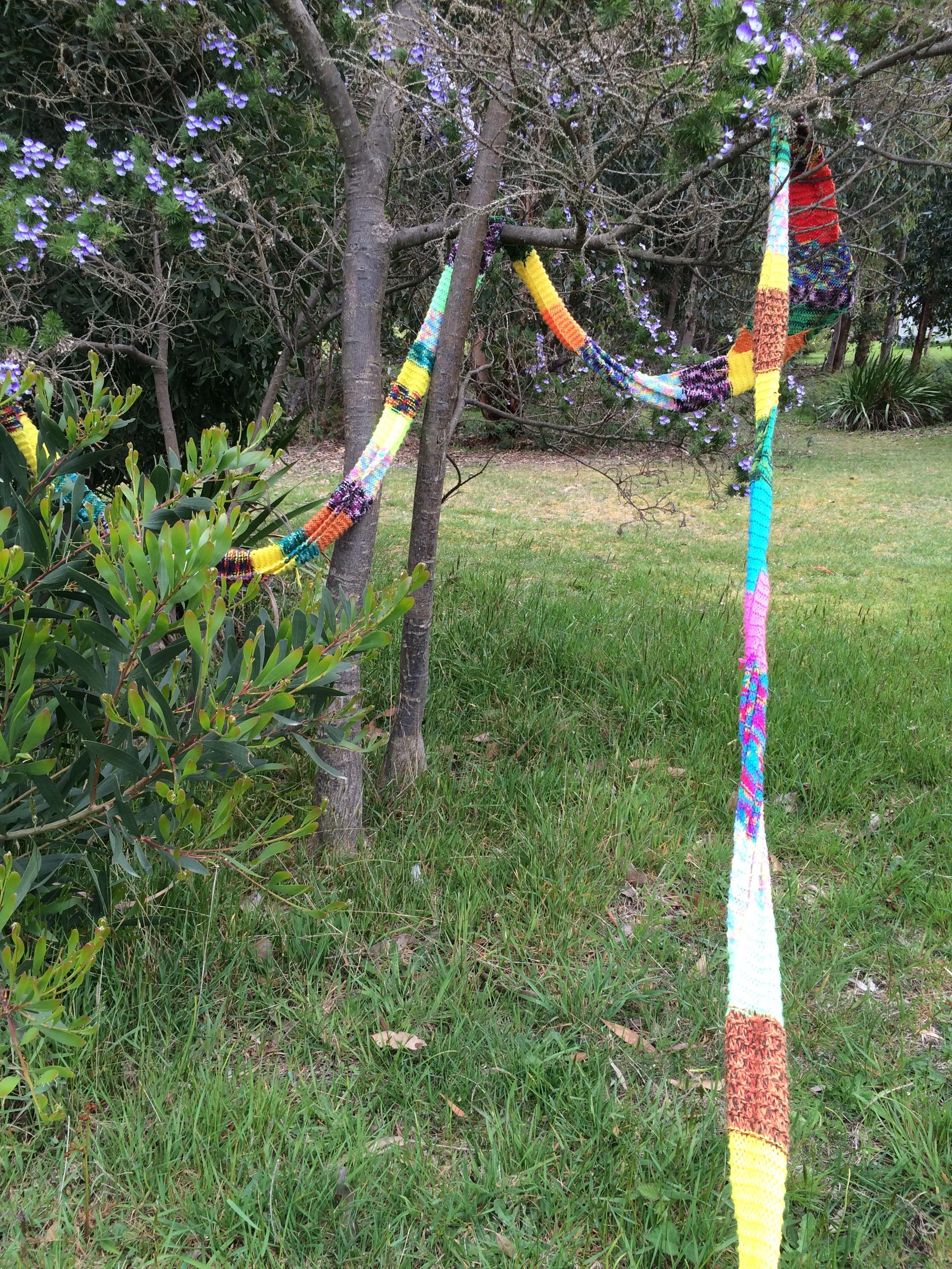 yarn bombing bench - photo #12